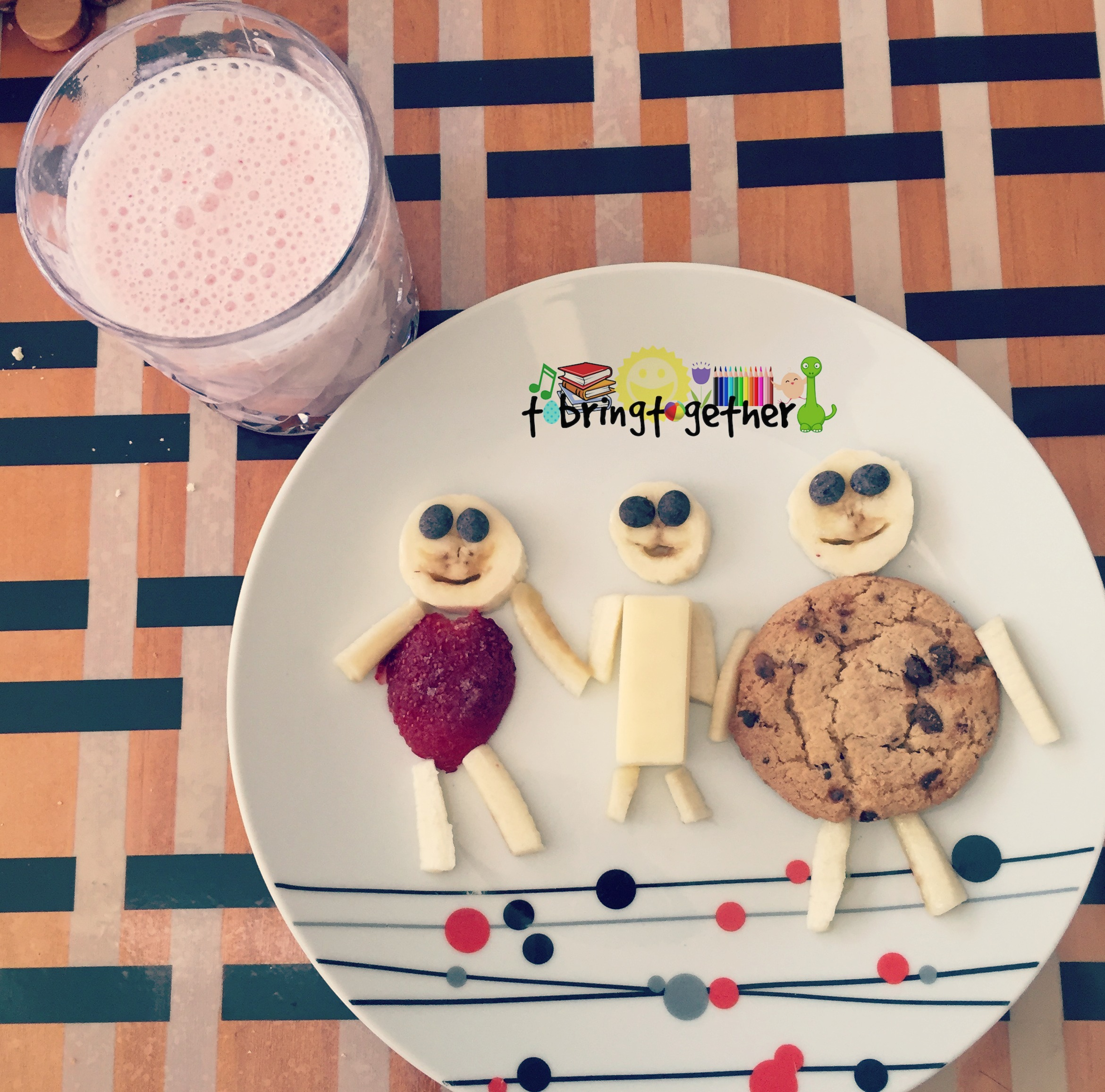 F for family snack – Toddler weekly alphabet activity
